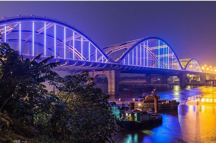 Chiếu sáng kiến trúc cầu Đông Trù