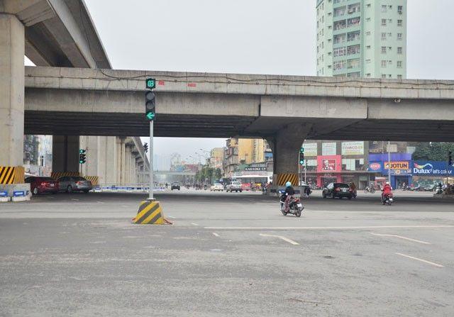 Đèn THGT tại nút giao thông Thanh Xuân – Hà Nội